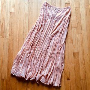 Light pink flowy skirt 🌸